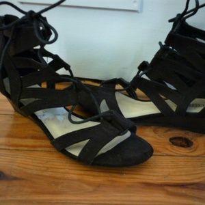 Seychelles Sexy Lace Up Suede Sandals sz 8 1/2